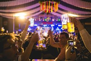 OKTOBERFEST MARSEILLE 2016 / PARC CHANOT / MARSEILLE - DEPT 13 - FRANCE / 26 OCTOBRE 2016 / © COLAS DECLERCQ