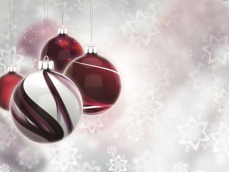 red-christmas-balls